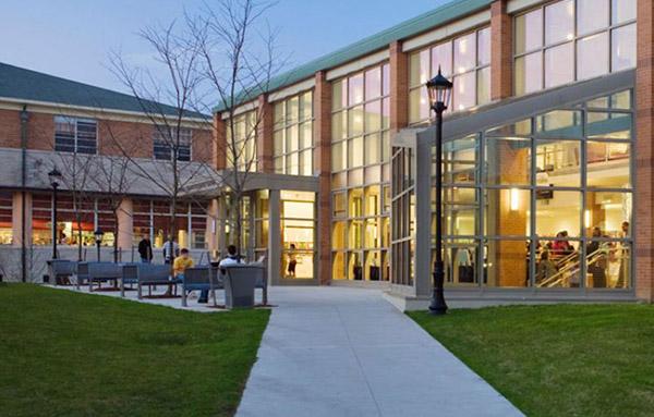 紐約州曼哈頓維爾學院