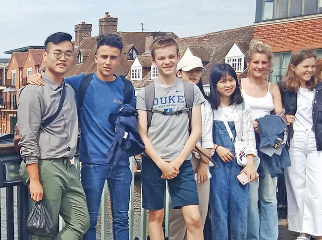 英國倫敦帝國學院探索營